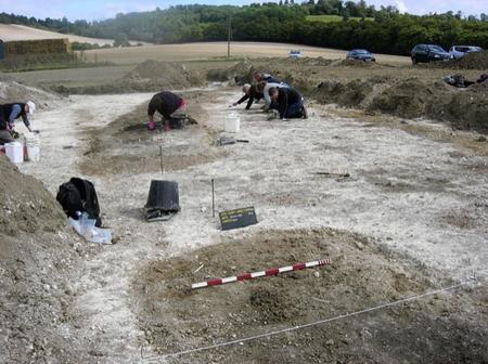 Archaeologists have uncovered a stone age henge near Hollingbourne