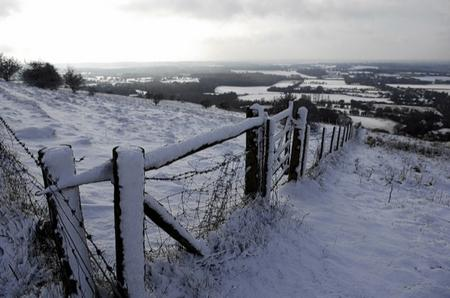 Snow scenes on the downs above Wye