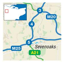 M25 crash between J4 and J5