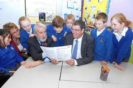 KCC Chairman Richard King and Cllr Mike Whiting with Zoe King, Head Teacher and pupils at the Canterbury Road Primary School, Sittingbourne which has received a good Ofsted report.