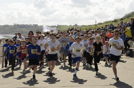 The start of the Paul Trigwell Island Run in 2012