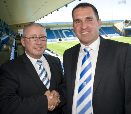 Gills chairman Paul Scally with Martin Allen