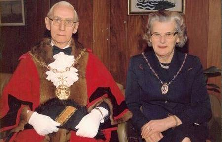 Mayor of Gravesham Don James and Doris James, Mayoress, in 1978