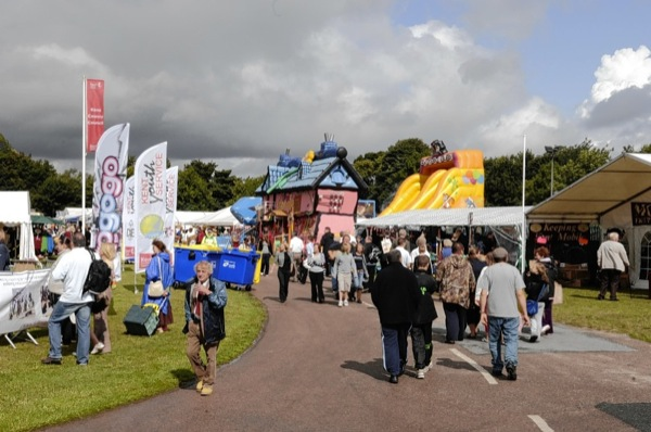 Crowds at the County Show 2009