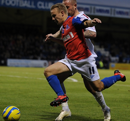 Danny Jackman is fouled by Josh Walker, giving Danny Kedwell the chance to make it 3-0 from the spot...