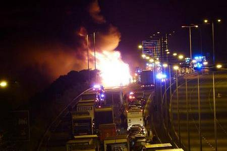 Traffic builds during the M20 lorry fire