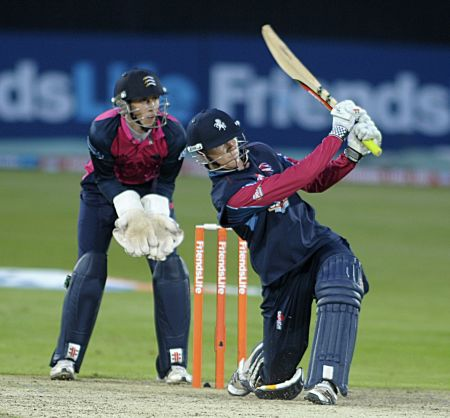 Kents Sam Billings hit a quickfire 43 against Middlesex.