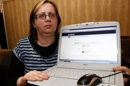Mel (Melissa) Tullett has been banned from Facebook after posting images of her reconstructed breasts after having them removed due to having breast cancer