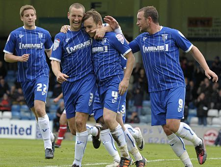 Gills celebrate after scoring their opener