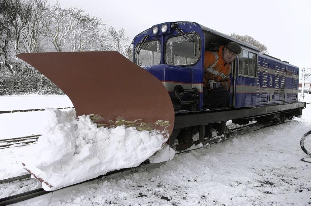 Snow Plough Car >> More disruption as snow strikes Kent