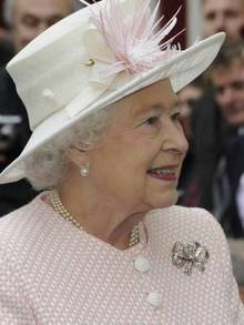 The Queen takes a tour of Margate's Old Town